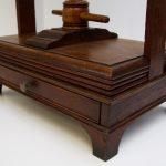 eikenhouten-linnenpers-ca-1900-afb-5